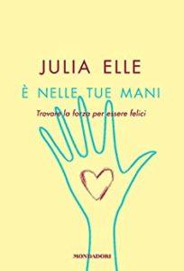 Book Cover: E' nelle tue mani di Julia Elle - SEGNALAZIONE