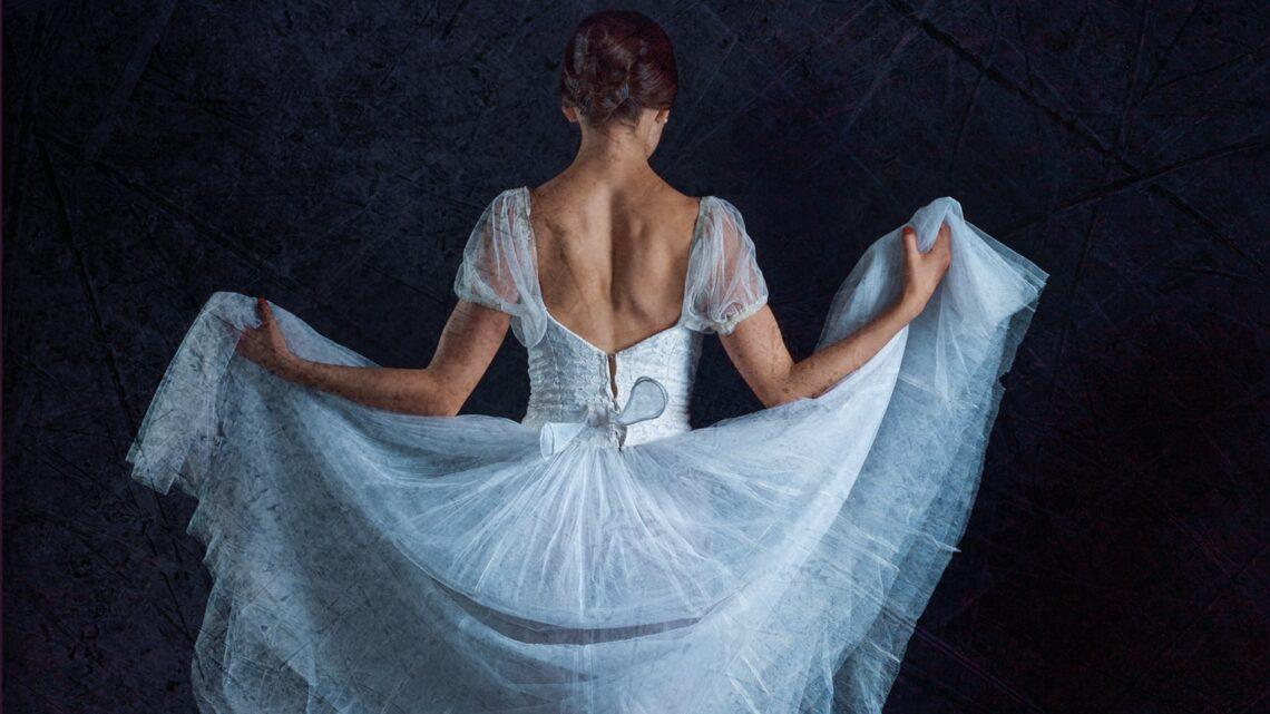 Laura  – Le ballerine del carillon Vol.1 di Maria Grazia Russo – SEGNALAZIONE